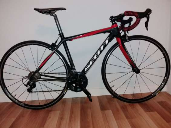 Se vende bicicleta scott cr1 carbono